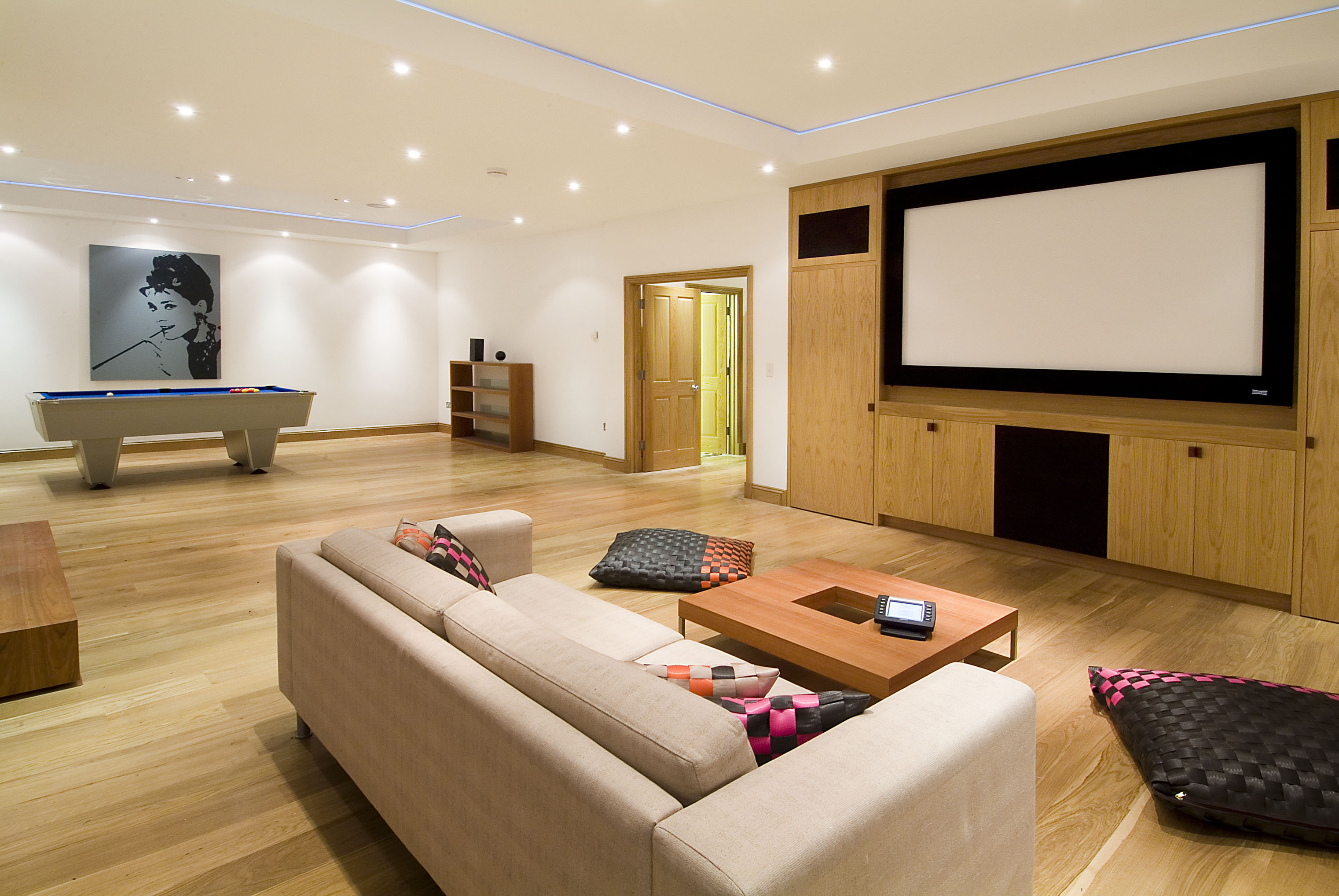 creativemass - basement cinema and games room, London